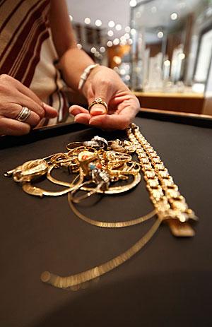 altgold m nchen juwelier nusstein gold ankauf schmuck wertgutachten. Black Bedroom Furniture Sets. Home Design Ideas
